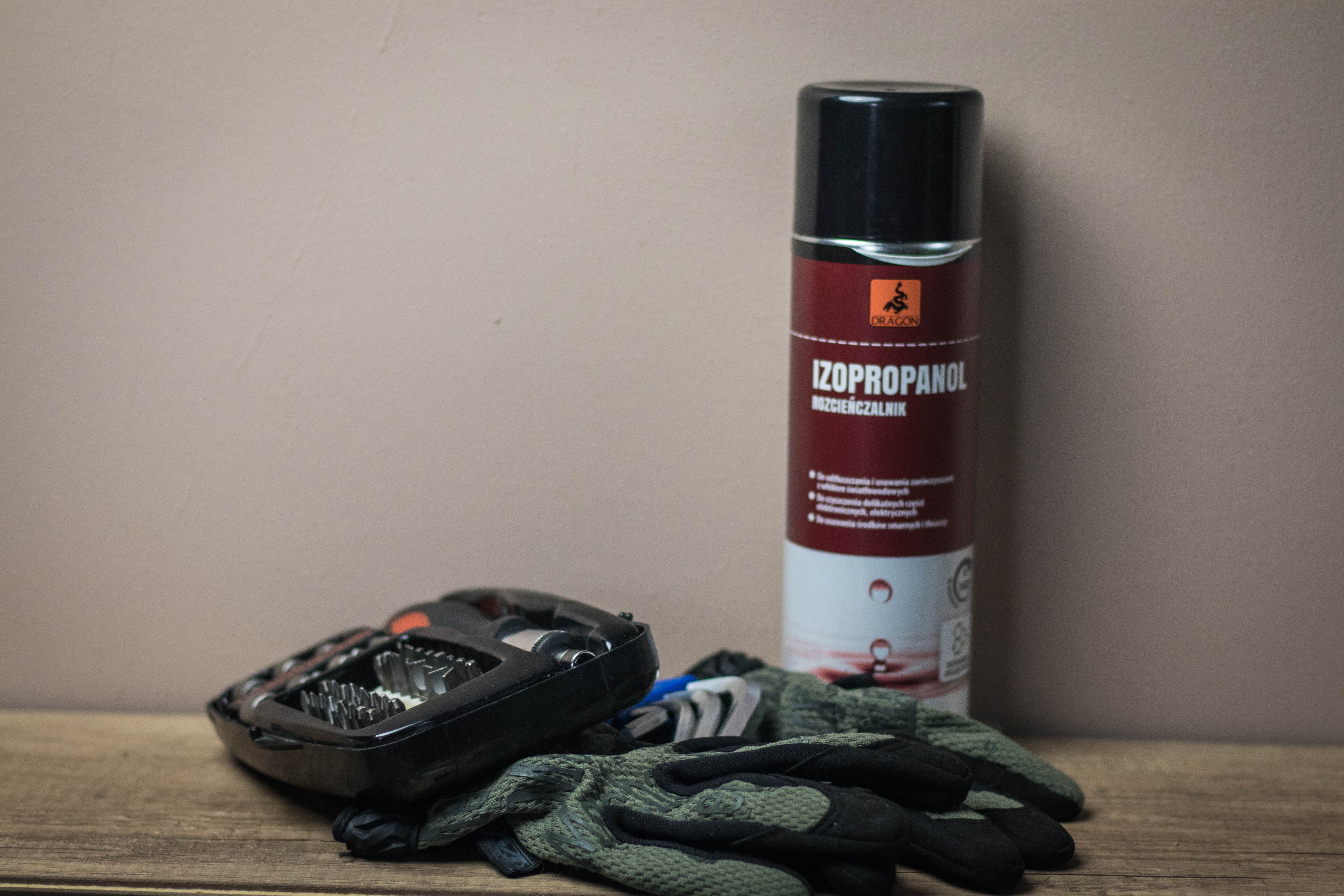 gloves, agent, screwdrivers, knee pads